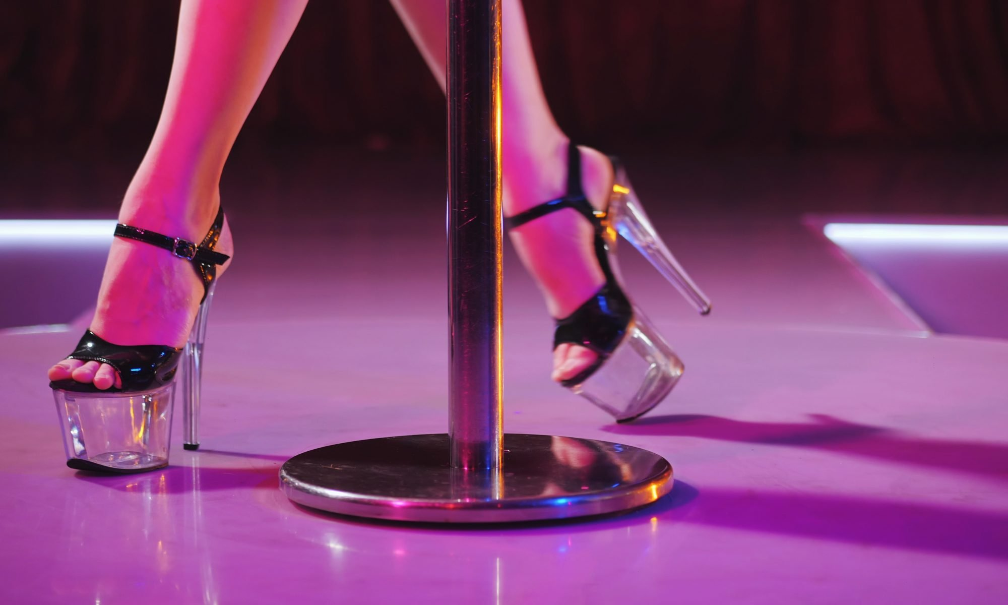 Solo Night Out in the Dallas - Fort Worth Metroplex? - Bucks Cabaret